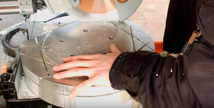 [วิดีโอ] DIY สร้างก้านล้อแม็กแบบ 3-ชิ้น โดยใช้เครื่องจักรขนาดเล็ก
